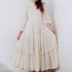 Vintage 70s Prairie Gunne Sax Style Lace Dress